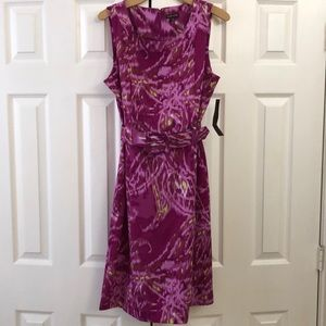 Dresses & Skirts - Bright dress with belt